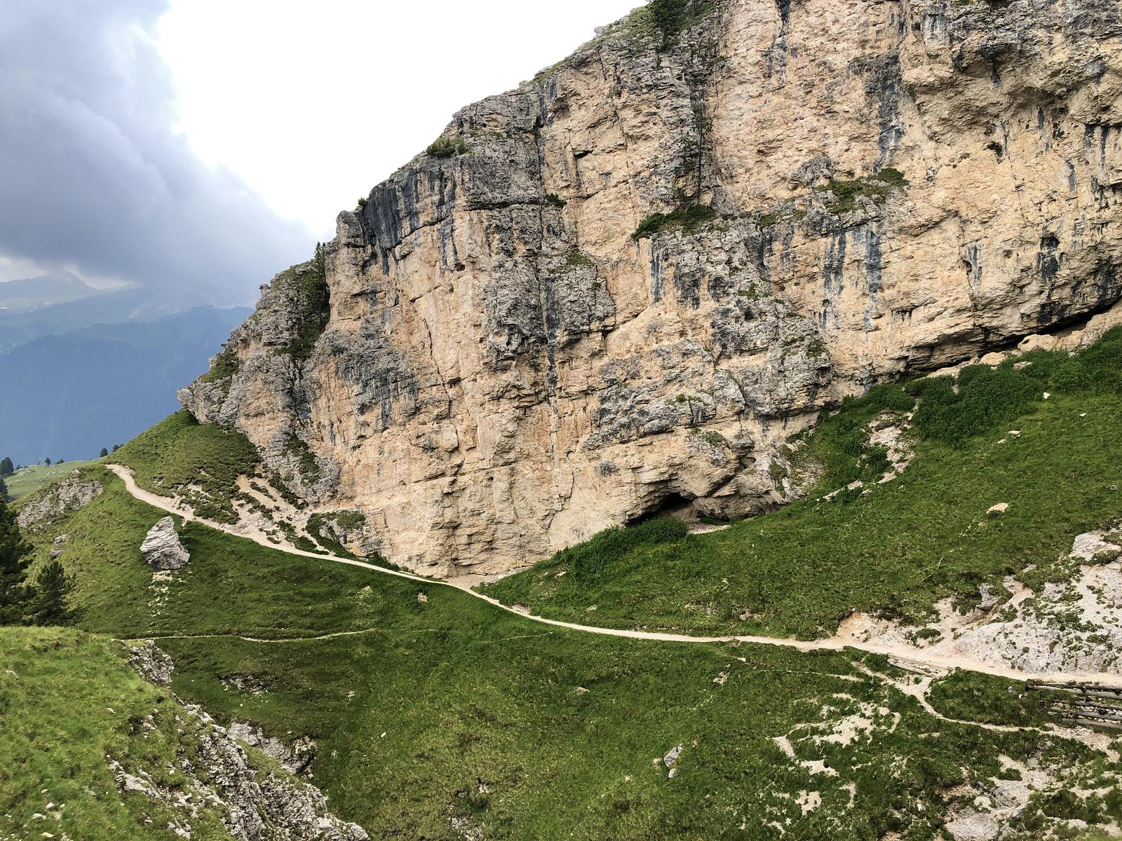 Ribbon of trail