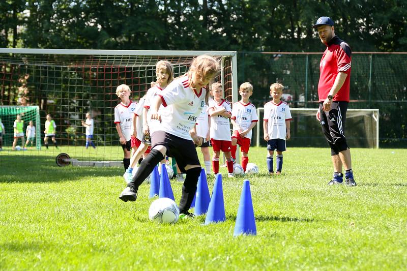 hsv_fussballschule-387_48048036037_o.jpg
