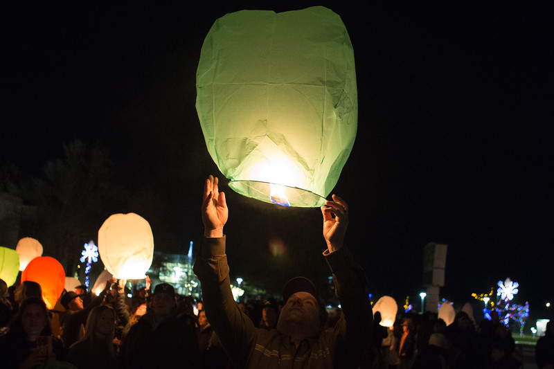Holly Days Lantern Launch-25.jpg