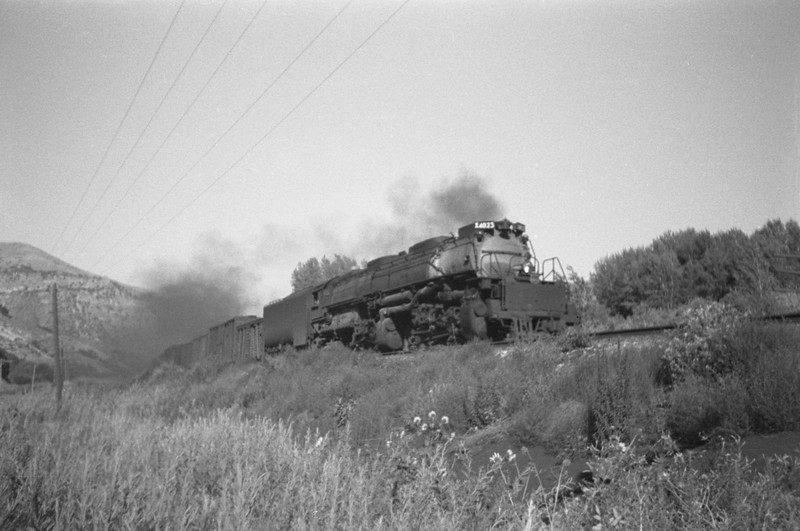 UP_4-8-8-4_4023-with-train_Weber-Canyon_Aug-1946_Emil-Albrecht-photo-0215-rescan.jpg
