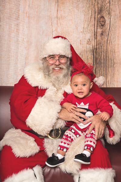 Ameriprise-Santa-Visit-181202-4889.jpg
