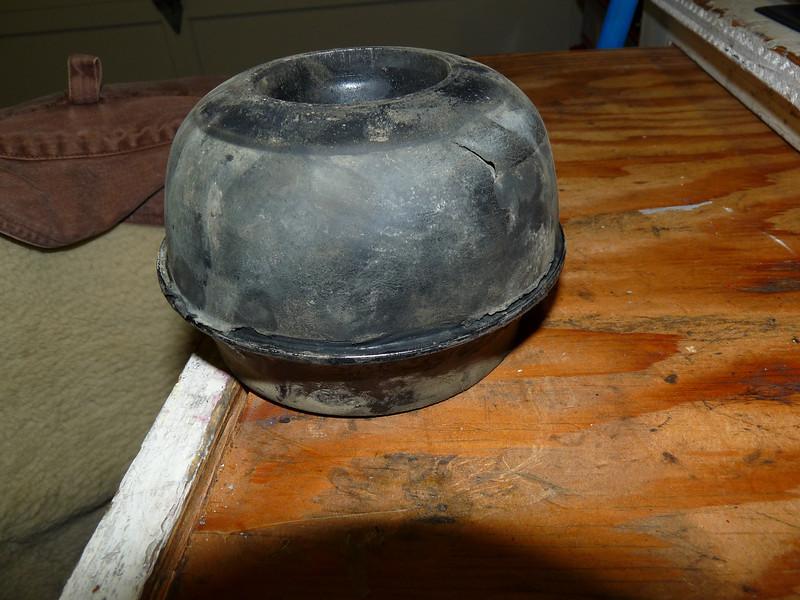 Cracked suspension cone