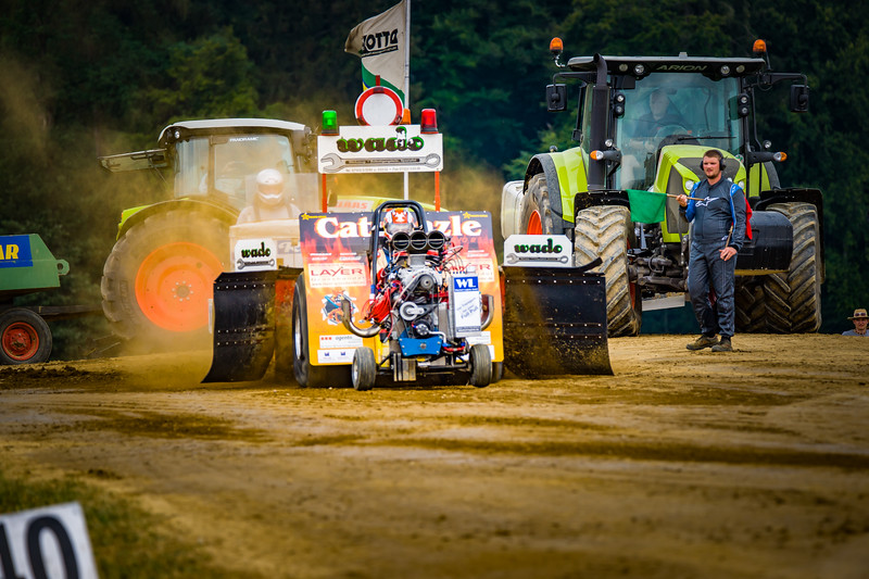 Tractor Pulling 2015-02306.jpg