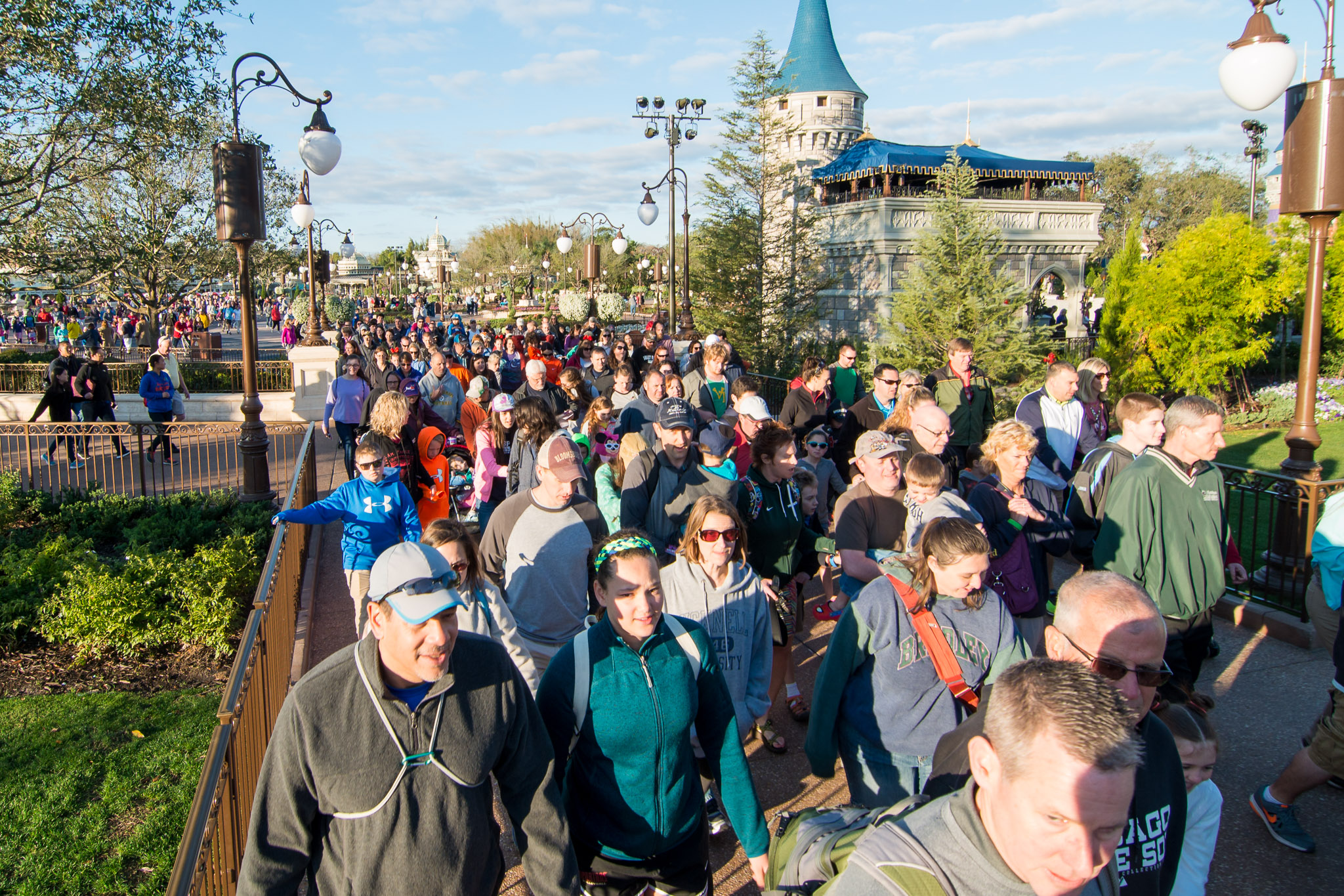 Crowds to Seven Dwarfs Mine Train - Walt Disney World Magic Kingdom