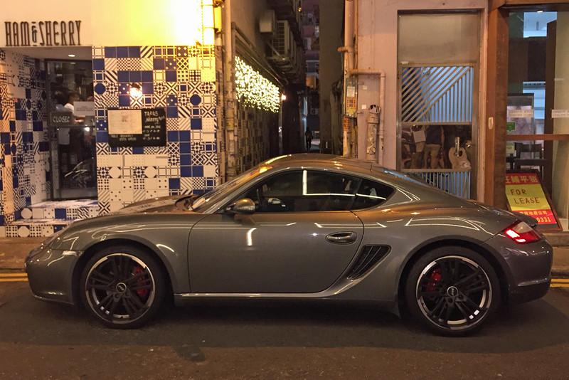 Porsche Cayman.jpg