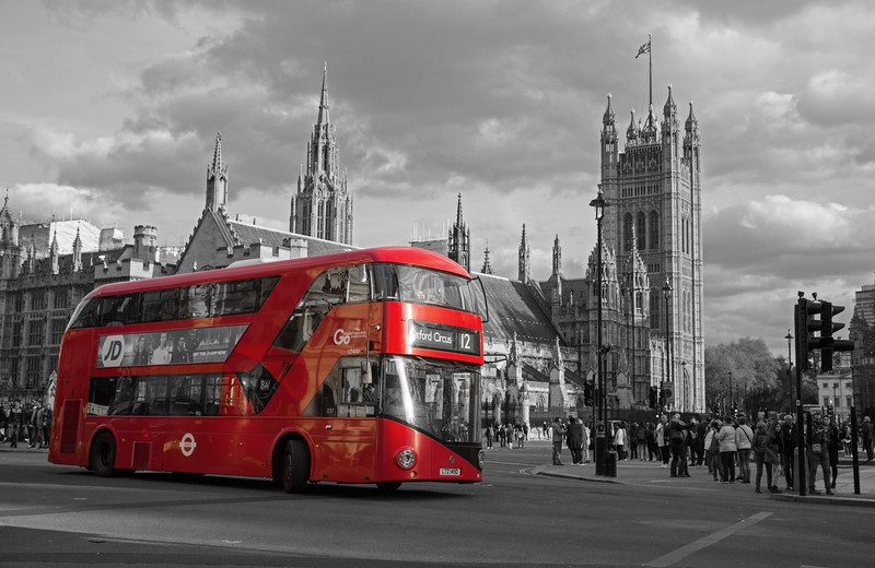 Iconic Red Bus Westminster.jpg