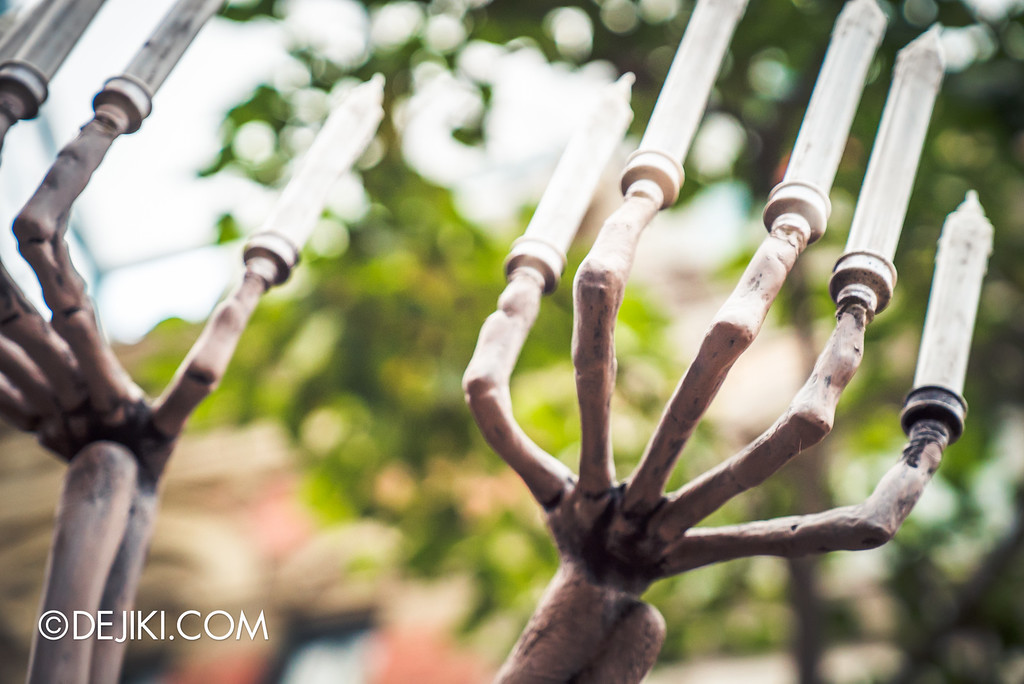 Universal Studios Singapore - Halloween Horror Nights 6 Before Dark Day Photo Report 2 - March of the Dead - skeleton candelabra fingers