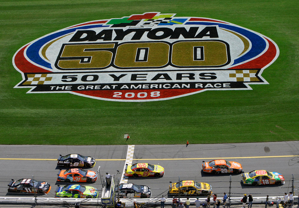 Description of . NASCAR drivers take part in the final Daytona 500 practice Saturday morning  Feb. 16, 2008 at the Daytona International Speedway in Daytona Beach, Fla. (AP Photo/Chris O\'Meara)