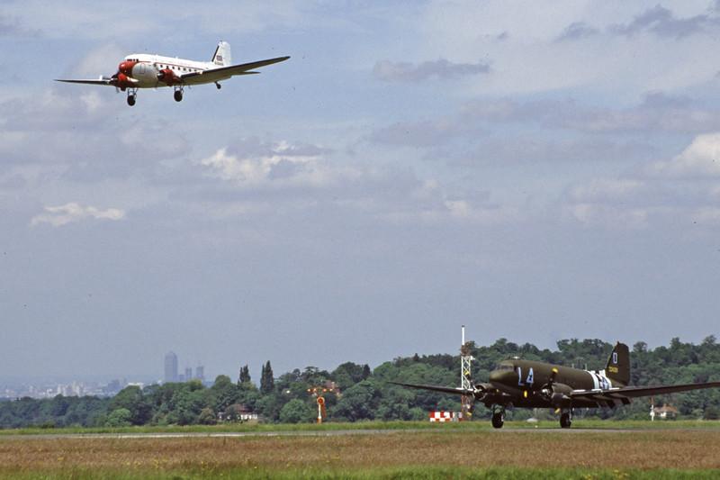 G-DAKK-DouglasC-47A-35-DL-SouthCoastAirways-EGKB-2000-06-03-HW-05-KBVPCollection.jpg