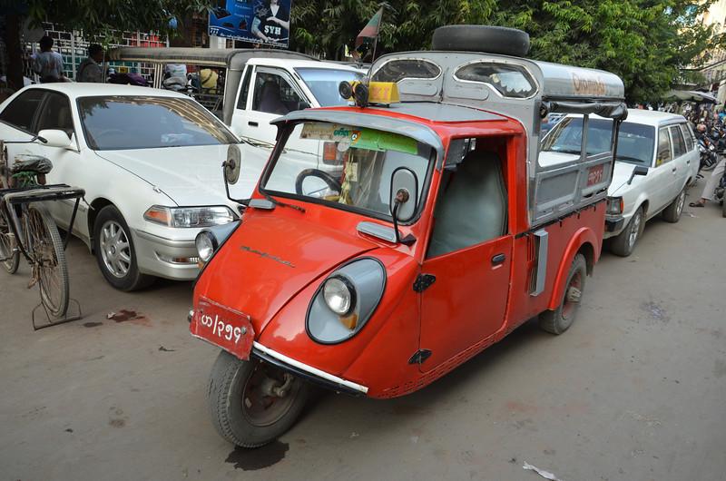DSC_4882-3-wheeled-taxi.JPG
