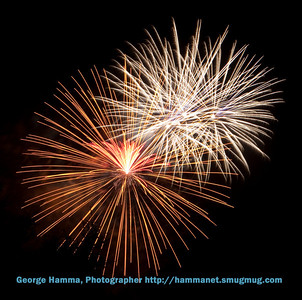 Fireworks-in-Cupertino-CA-July-4-2009