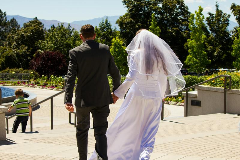 Carin_and_Alex_Wedding_8293.jpg