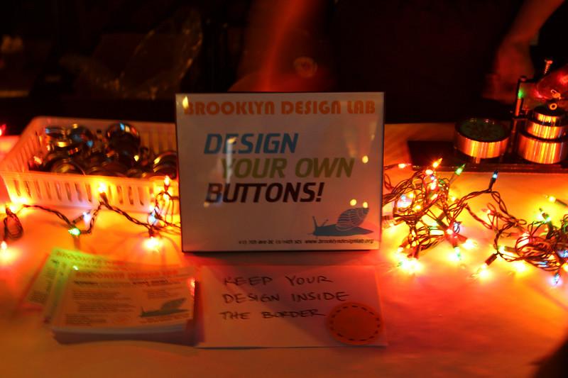 2011.12.12 Suzi Shelton Concertf-17.jpg