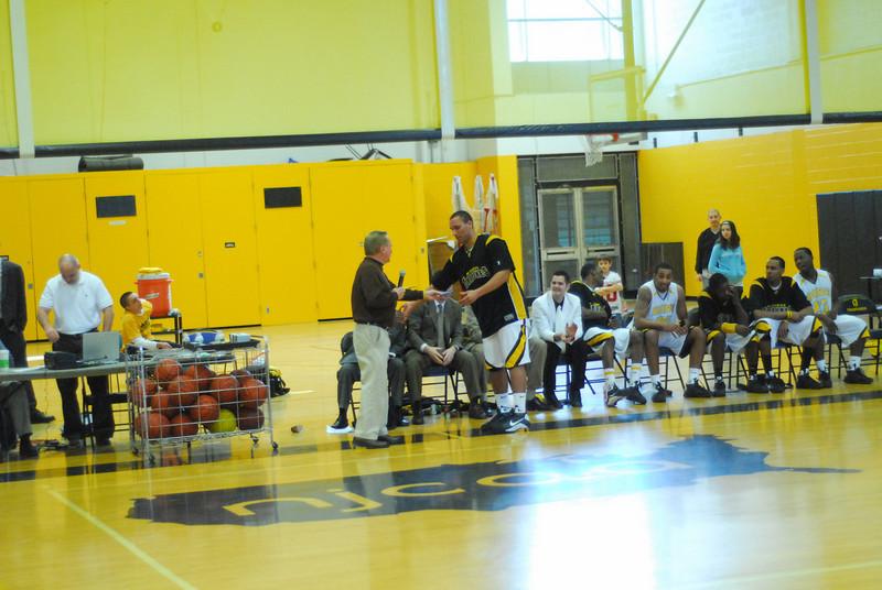 20090301_MCC Basketball_5749.JPG