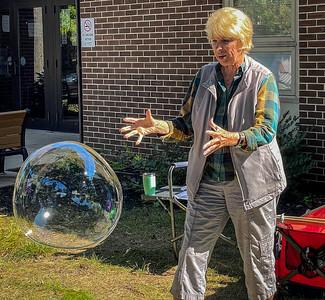 White Rose Seniors Enjoy Creating Bubbles