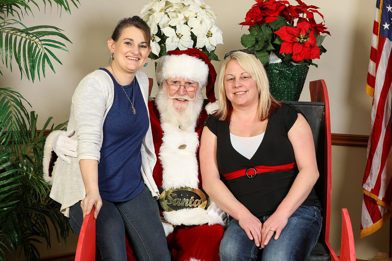 TBTP 2019 Photos with Santa-92.JPG