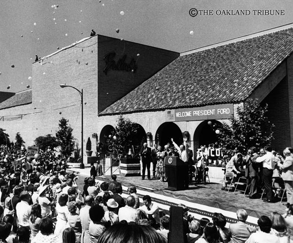 . Walnut Creek, CA May 25, 1976 - President Gerald R. Ford speaks to a crowd of 20,000 in downtown Walnut Creek. (Russ Reed / Oakland Tribune Staff Archives)
