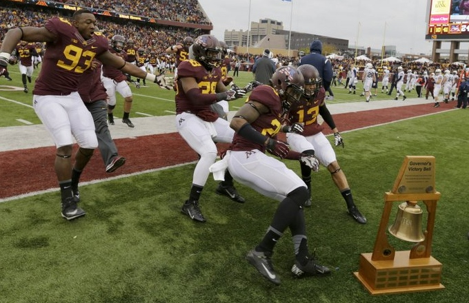 ". <p>6. GOVERNOR�S VICTORY BELL TROPHY <p>Break up the Gophers! Before they destroy all of their game trophies! (unranked) <p><b><a href=\'http://www.huffingtonpost.com/2013/11/09/minnesota-breaks-governers-bell-trophy_n_4247790.html?utm_hp_ref=sports\' target=""_blank\""> HUH?</a></b> <p>    (AP Photo/Ann Heisenfelt)"