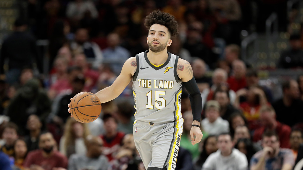 . Cleveland Cavaliers\' London Perrantes drives against the Phoenix Suns in the second half of an NBA basketball game, Friday, March 23, 2018, in Cleveland. (AP Photo/Tony Dejak)