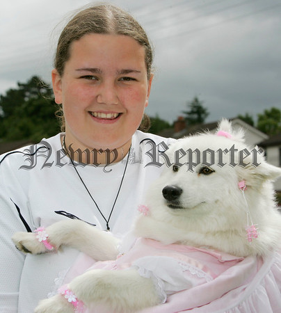 Louise Cummins with her dog Bindi at the pet show during the Markethill festival. 06W32N21
