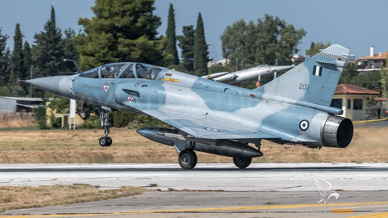 HAF 332 Mira / Dassault Mirage 2000 EGM / 202