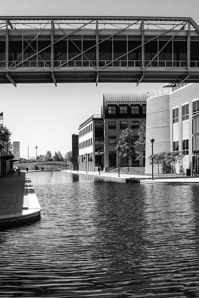 064-Indianapolis-Indiana-Architecture-Black-White-Monochrome.jpg