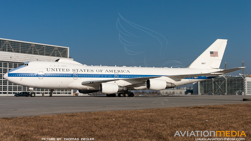 73-1677_USAF-1stACCS_E-4B_L.jpg