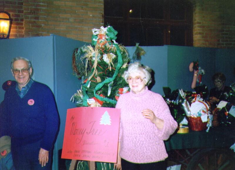 Wayne & Bonnie, Volunteers Christmas Tree Express, 1989  -1 - Copy.jpg