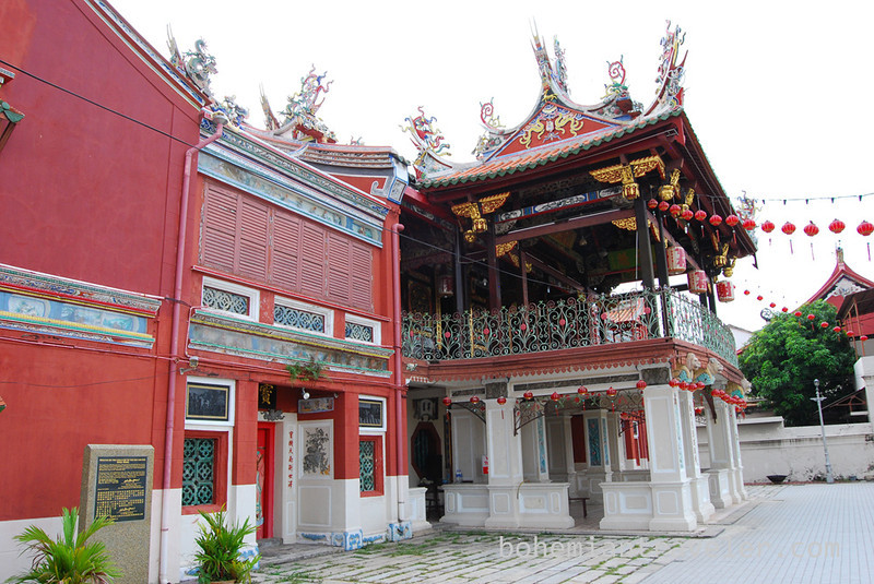Penang temple.jpg