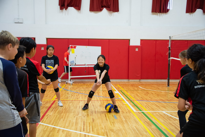 PE Leadership-Gr12 and Gr6 Volleyball Workshops-YIS_2532-2018-19.jpg