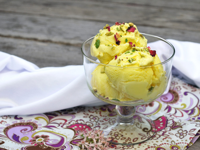 persian saffron ice cream