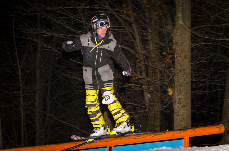 Nighttime-Rail-Jam_Snow-Trails-16.jpg