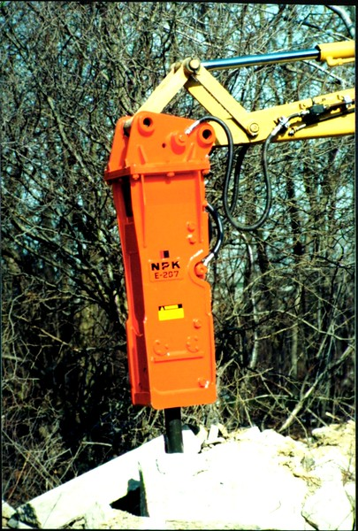 NPK E207 hydraulic hammer on Cat backhoe at NPKCE (6).JPG