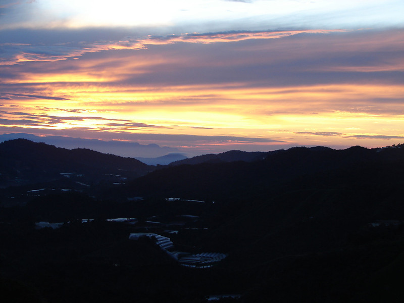 Sunrise over The cameron Highlands from our bedroom window (2).JPG