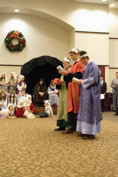 2017-12-17-Christmas-Pageant_233.jpg