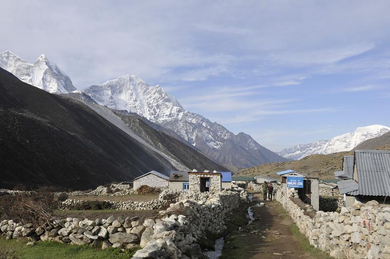 080519 3071 Nepal - Everest Region - 7 days 120 kms trek to 5000 meters _E _I ~R ~L.JPG