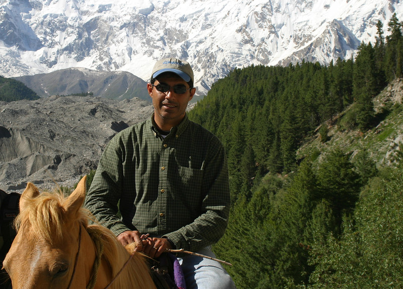 Still on my horse.  By this time I was feeling sorry for him.  I would walk and have Hamza ride, and  then we would alternate.