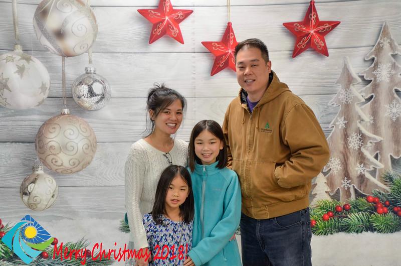 Christmas Photobooth 2018-066_01.jpg