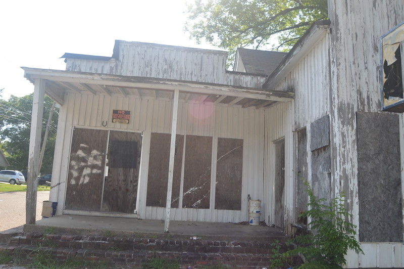 159 Abandoned Store, West Covington.jpg