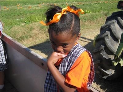 2010-10-21 K with 7th Gr Buddies Pumpkin Patch 3