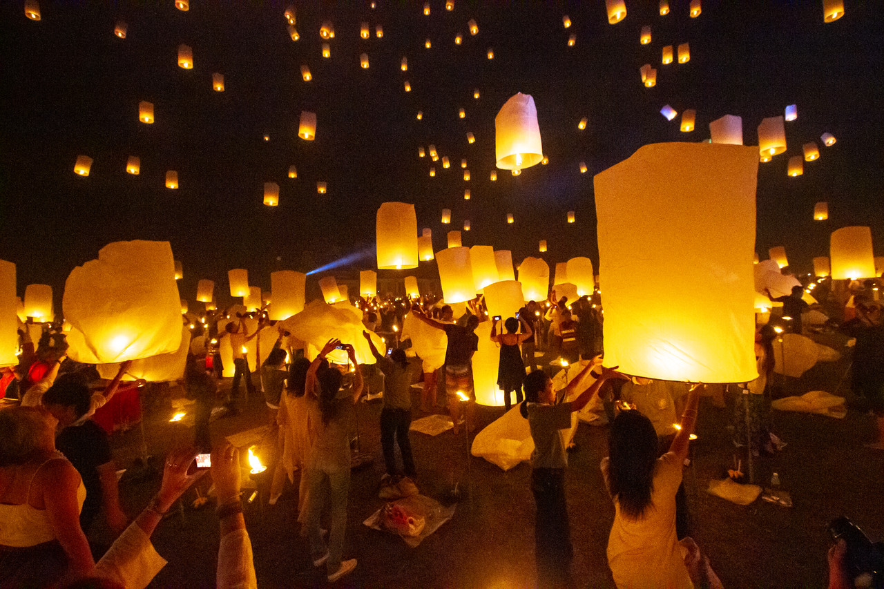 Loi Krathong and the Yee Peng Lantern Festival