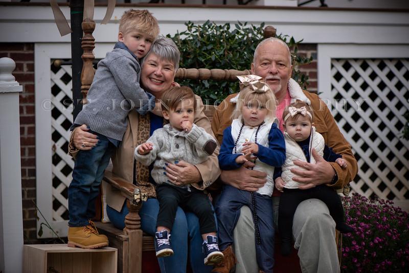 2019 November Ellis Family-269-125.jpg