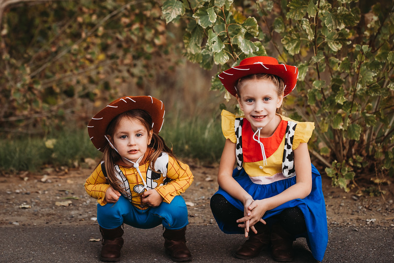 Madi and Abby Halloween 2019-9621.jpg