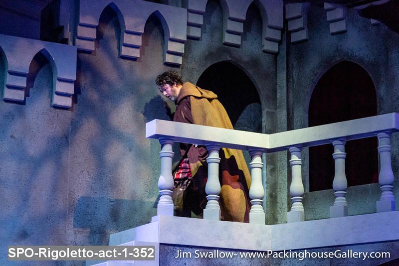 SPO-Rigoletto-act-1-352.jpg