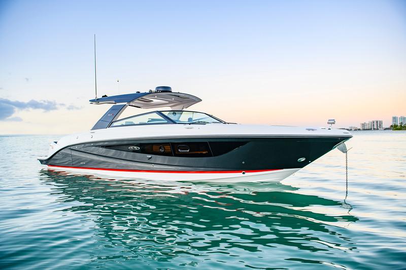 2021-SLX-R-400-e-Outboard-profile-01.jpg