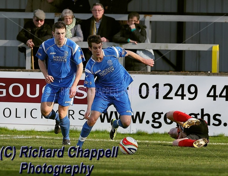 CHIPPENHAM TOWN V CIRENCESTER TOWN MATCH PICTURES