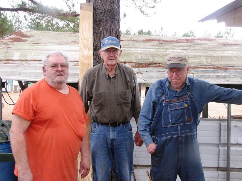 08 12-17 L-R: Homeowner, JC Farrington, Felton Miller. bb