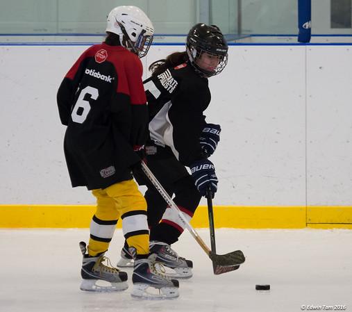 Sierra Oulevey - hockey!