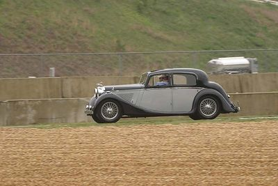 No-0410 Car Club Parade Laps