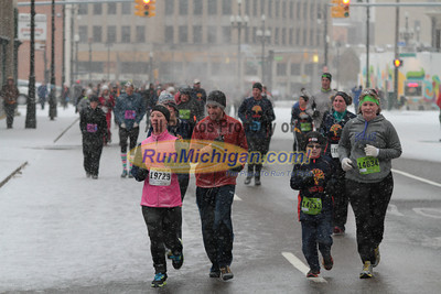 10K at 4.5 mile mark - 2013 Fifth Third Detroit Turkey Trot